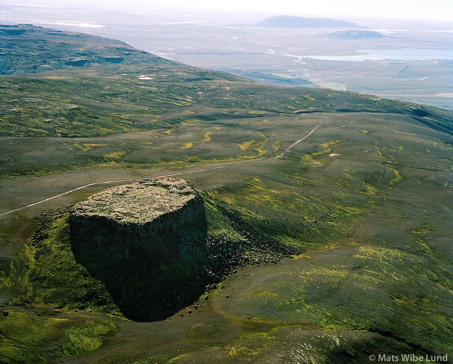 Gullkista fyrir ofan Miðdal séð til suðausturs, Bláskógabyggð áður Laugardalshreppur / Gullkista cliff near Middal viewing southeast, Blaskogabyggd former Laugardalshreppur.