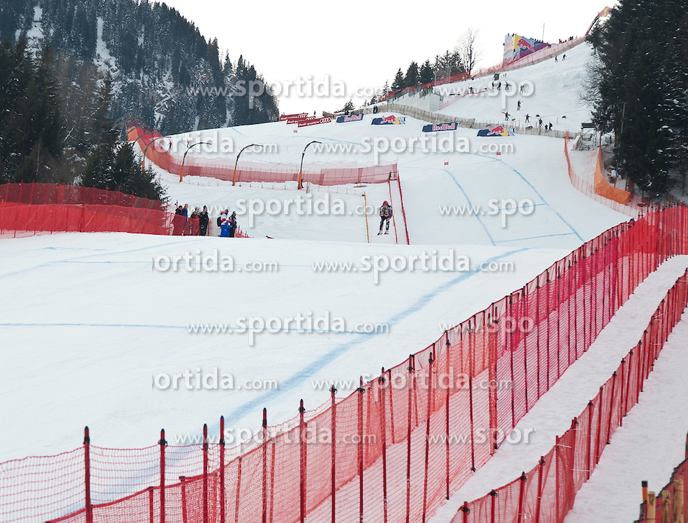 17.01.2012, Hahnenkamm, Kitzbuehel, AUT, FIS Weltcup Ski Alpin, 72. Hahnenkammrennen, Herren, Abfahrt 1. Training, im Bild Übersicht, Zielsprung, Natko Zrncic-Dim (CRO) // overview Natko Zrncic-Dim of Craoatia during 1st practice Downhill of 72th Hahnenkammrace of FIS Ski Alpine World Cup at 'Streif' course in Kitzbuhel, Austria on 2012/01/17. EXPA Pictures © 2012, PhotoCredit: EXPA/ Johann Groder
