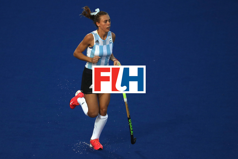 RIO DE JANEIRO, BRAZIL - AUGUST 06:  Agustina Habif #14 of Argentina looks to runs during a Women's Pool B match between the United States and Argentina on Day 1 of the Rio 2016 Olympic Games at the Olympic Hockey Centre on August 6, 2016 in Rio de Janeiro, Brazil.  (Photo by Sean M. Haffey/Getty Images)