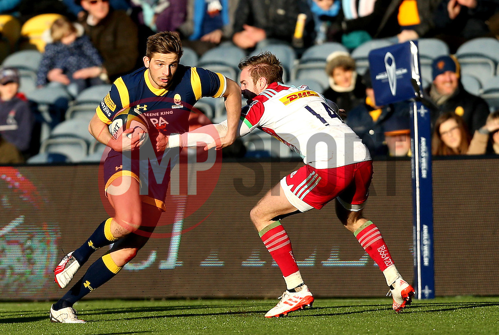 Auguy Slowik of Worcester Warriors runs past Charlie Walker of Harlequins - Mandatory by-line: Robbie Stephenson/JMP - 28/01/2017 - RUGBY - Sixways Stadium - Worcester, England - Worcester Warriors v Harlequins - Anglo Welsh Cup