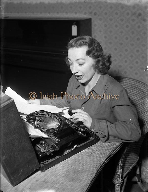 Maureen Potter Comedian 1956 29:06