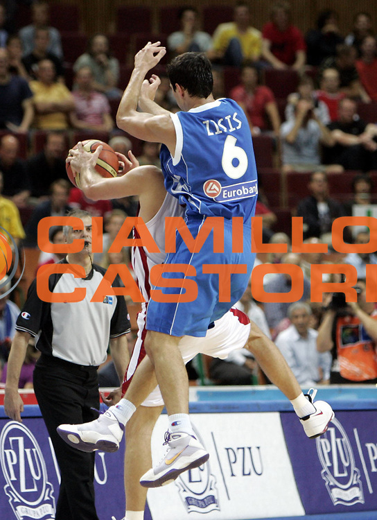 DESCRIZIONE : Katowice Poland Polonia Eurobasket Men 2009 Quarter Final Turchia Turkey Grecia Greece<br /> GIOCATORE : Nicolaos Zizis<br /> SQUADRA : Grecia Greece<br /> EVENTO : Eurobasket Men 2009<br /> GARA : Turchia Turkey Grecia Greece <br /> DATA : 18/09/2009 <br /> CATEGORIA : <br /> SPORT : Pallacanestro <br /> AUTORE : Agenzia Ciamillo-Castoria/H.Bellenger<br /> Galleria : Eurobasket Men 2009 <br /> Fotonotizia : Katowice  Poland Polonia Eurobasket Men 2009 Quarter Final Turchia Turkey Grecia Greece<br /> Predefinita :