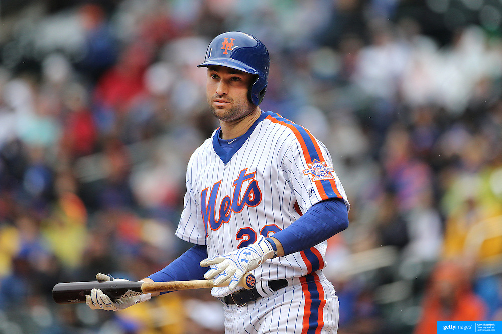 NEW YORK, NEW YORK - MAY 01: Neil Walker #20 of the New York Mets batting during the New York Mets Vs San Francisco Giants MLB regular season game at Citi Field on May 01, 2016 in New York City. (Photo by Tim Clayton/Corbis via Getty Images)