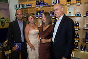BARNABAS KINDERSLEY; ANABEL KINDERSLEY; JULIETTE KINDERSLEY; PETER KINDERSELY. Neal's Yard Remedies Natural Beauty Honours and drinks party. King's Rd. London. 4 September 2008.  *** Local Caption *** -DO NOT ARCHIVE-© Copyright Photograph by Dafydd Jones. 248 Clapham Rd. London SW9 0PZ. Tel 0207 820 0771. www.dafjones.com.