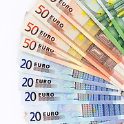 Nederland Barendrecht 29 maart 2009 20090329 Foto: David Rozing ..bankbiljetten, valuta, betaalmiddel, geldwaaier, 10, 20, 50, 100, tien, twintig, vijftig, honderd. kosten,papiergeld,biljet,biljetten,bankbiljet,bankbiljetten,eurobiljet,eurobiljetten, betaalmiddelen,recessie, kredietcrisis, economie,.money , euro stockbeeld, stockfoto, stock, studio opname, illustratie.Foto: David Rozing