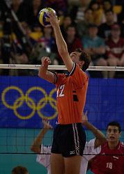 23-09-2000 AUS: Olympic Games Volleybal Nederland - Egypte, Sydney<br /> Nederland wint met 3-1 van Egypte / Peter Blange