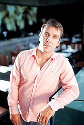 O sócio-diretor do Frigorífico Silva, Gabriel Silva, que recentemente investiu R$ 25 milhões para ampliar sua capacidade de abate, no restaurante BAH, em Porto Alegre. FOTO: Jefferson Bernardes/Preview.com