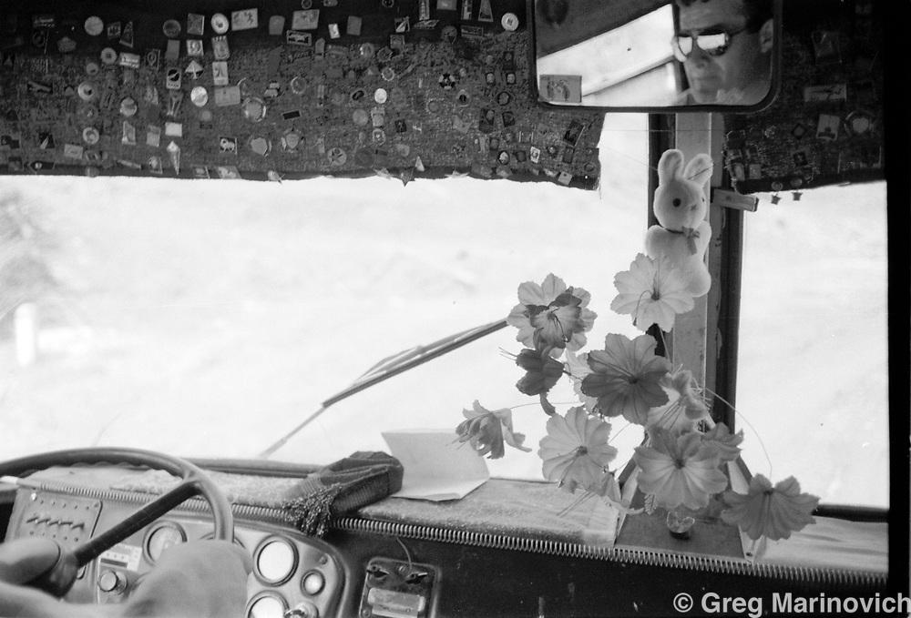 Bus, southern Chechnya. 1995. Greg Marinovich/Getty Images