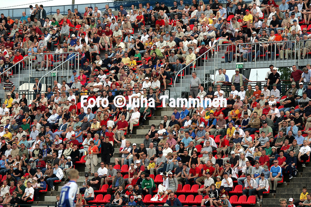 21.07.2004, Ratina, Tampere, Finland..Veikkausliiga 2004 / Finnish League 2004.Tampere United v FC Haka.Ratinan yleis??.©Juha Tamminen.....ARK:k