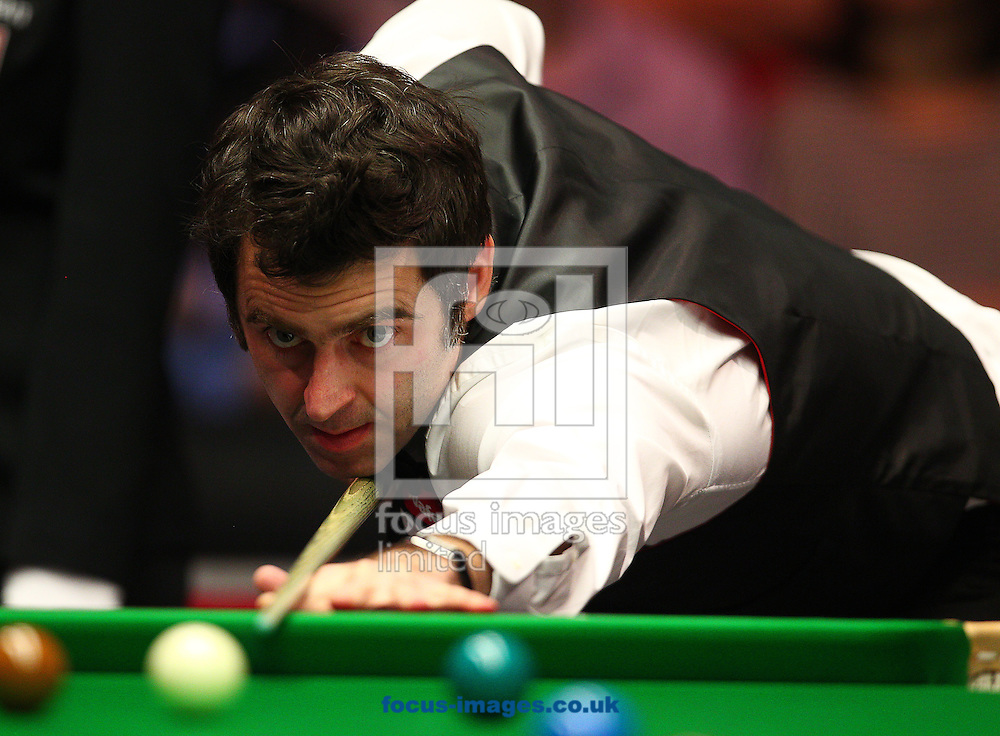 Picture by Paul Terry/Focus Images Ltd +44 7545 642257<br /> 14/01/2014<br /> Ronnie O' Sullivan in action during The Masters first round match at Alexandra Palace, London.