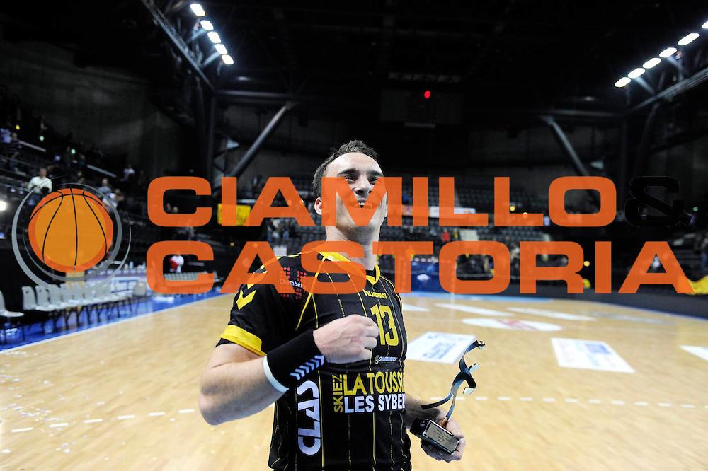 DESCRIZIONE : France Hand D1 Championnat de France D1 a Chambery<br /> GIOCATORE : Edin BASIC<br /> SQUADRA : Chambery<br /> EVENTO :  Hand D1<br /> GARA : Chambery Dunkerque<br /> DATA : 15/11/2012<br /> CATEGORIA : Hand D1 <br /> SPORT : Handball<br /> AUTORE : JF Molliere <br /> Galleria : France Hand 2012-2013 Action