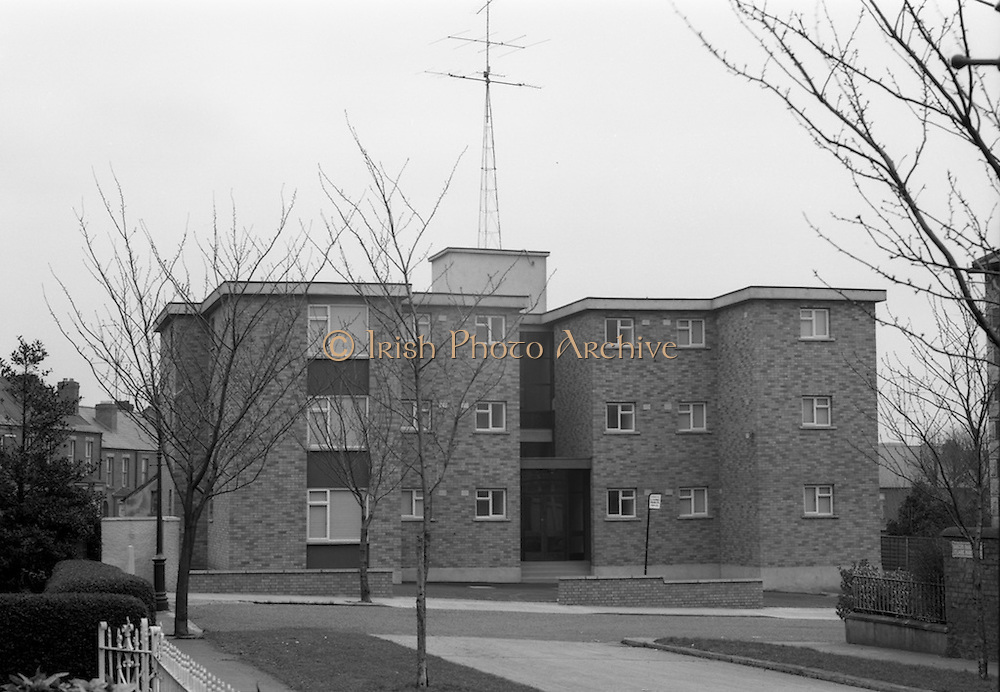 16/3/1966<br /> 3/16/1966<br /> 16 March 1966<br /> <br /> Exterior View of Beaucourt Flats Archill Rd