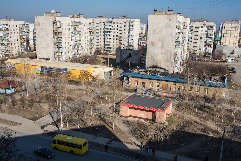 A view of the Vostochniy neighborhood, which on January 24 was hit by heavy shelling, on Monday, March 9, 2015 in Mariupol, Ukraine. Photo by Brendan Hoffman, Freelance