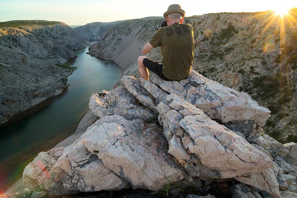 Europe, Balkan, Croatia, Starigrad; Zrmanja Canyon, Christian Heeb taking picture