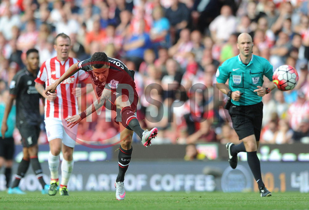 Philippe Coutinho of Liverpool scores - Mandatory byline: Dougie Allward/JMP - 07966386802 - 09/08/2015 - FOOTBALL - Britannia Stadium -Stoke-On-Trent,England - Stoke City v Liverpool - Barclays Premier League