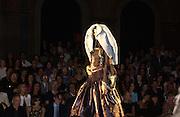 Christian Dior couture show. Ecole Nationale Superiore des Beaux- Arts. Paris. 7 July 2001. © Copyright Photograph by Dafydd Jones 66 Stockwell Park Rd. London SW9 0DA Tel 020 7733 0108 www.dafjones.com