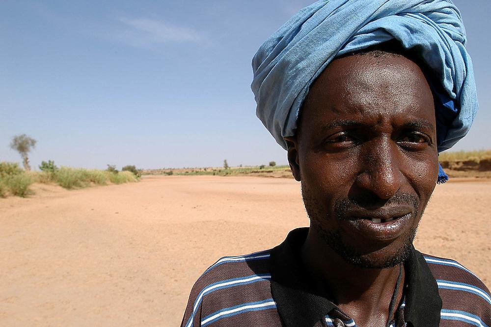 Une rivière du bassin du fleuve Sénégal. Principale source d'approvisionnement en eau du village de Boully, la rivière s'ensable d'année en année.