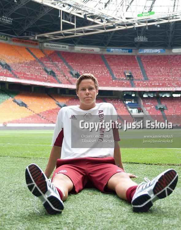 Niklas Moisander. Ajax. Reservijoukkue. Amsterdam. 8/2003. Photo: Jussi Eskola