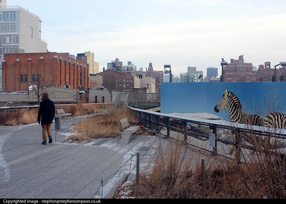 © Licensed to London News Pictures. 31/12/2012. NYC, USA . The High Line. Photo credit : Stephen Simpson/LNP