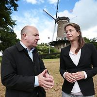 Nederland, Alkmaar 22 juni 2015.<br /> Ivonne Leenhouwers is sinds 1999 advocaat. In 2004 heeft zij de overstap gemaakt van een kantoor in Utrecht naar Veraart De Granada strafrechtadvocaten in Alkmaar om zich volledig te kunnen toeleggen op het strafrecht. In 2010 heeft zij de specialistenopleiding afgerond en sindsdien is zij lid van de Nederlandse Vereniging van Strafrechtadvocaten (NVSA)<br /> Op de foto Ivonne Leenhouwers in gesprek met journalist Erik Jan Bolsius<br /> <br /> <br /> <br /> <br /> Foto: Jean-Pierre Jans