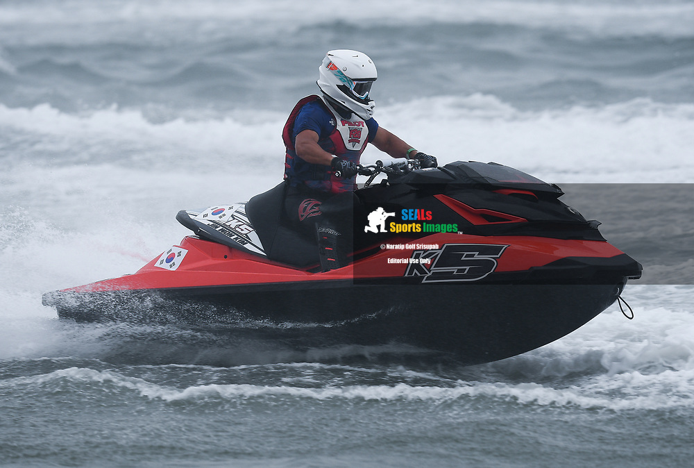 PATTAYA, THAILAND - DECEMBER 09: Jin Won Kim (K5) of Korea and Han River Leisure Sports in action during the Pro Runabout GP Moto3 at the Thai Airways International Jet Ski World Cup 2018, Jomtien Beach, Pattaya, Thailand on December 09, 2018. <br /> .<br /> .<br /> .<br /> (Photo by: Naratip Golf Srisupab/SEALs Sports Images)<br /> .<br /> Any image use must include a mandatory credit line adjacent to the content which should read: Naratip Golf Srisupab/SEALs Sports Images