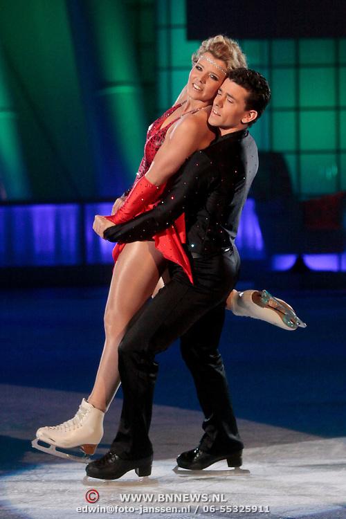 NLD/Ede/20110415 - Finale Sterren Dansen op het IJs 2011, Jenny Smit en Ryan Schollert