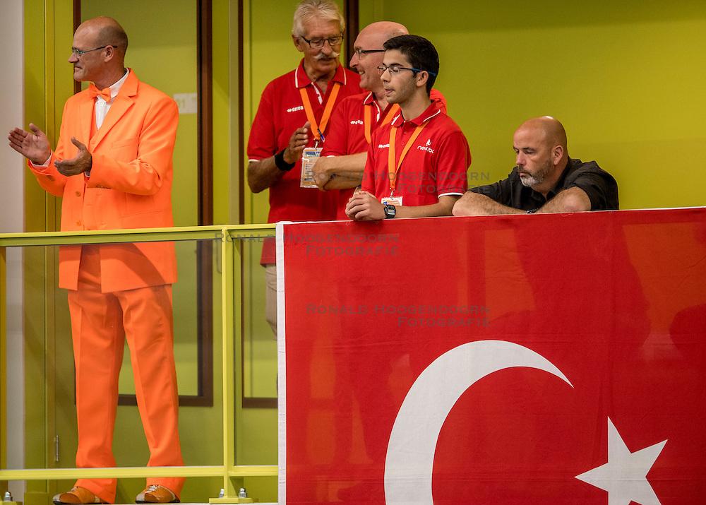 25-09-2016 NED: EK Kwalificatie Nederland - Turkije, Koog aan de Zaan<br /> Oranje support publiek