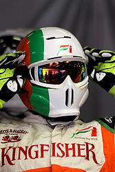 09.03.2011, Circuit de Catalunya, Barcelona, ESP, Formel 1 Test 4 2011,  im Bild Force India F1 Mechanic.!EXPA Pictures © 2011, PhotoCredit: EXPA/ nph/  Poleposition.at       ****** only for AUT ans SLO *******