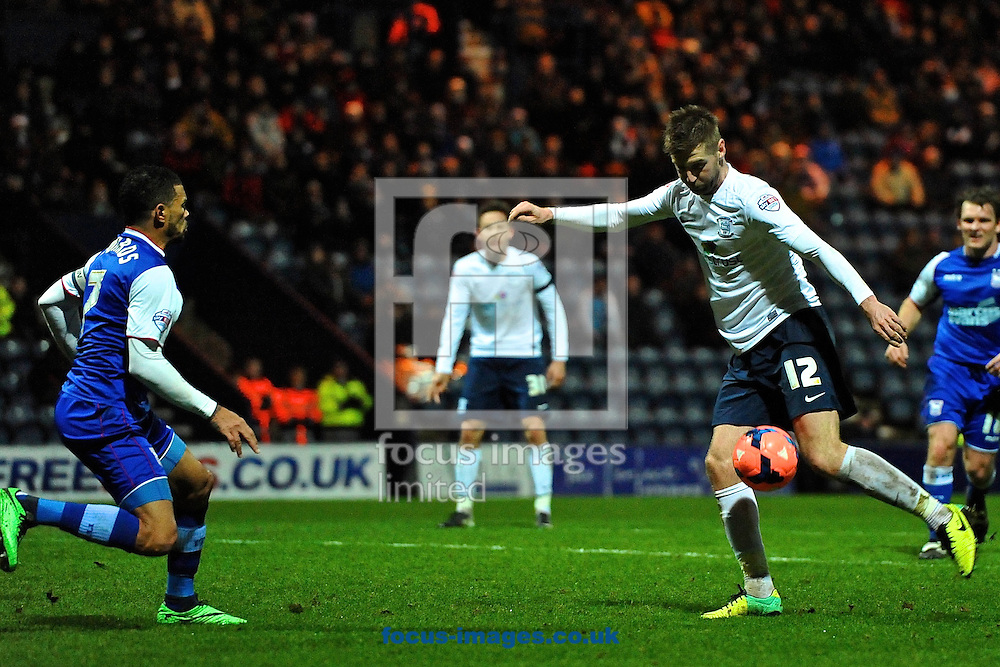 Picture by Ian Wadkins/Focus Images Ltd +44 7877 568959<br /> 14/01/2014<br /> Paul Gallagher of Preston North End shoots at goal