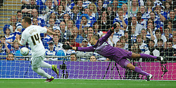 LONDON, ENGLAND - Saturday, May 30, 2011: Reading's goalkeeper Adam Federici is beaten by Swansea City's Stephen Dobbie for the third goal during the Football League Championship Play-Off Final match at Wembley Stadium. (Photo by David Rawcliffe/Propaganda)
