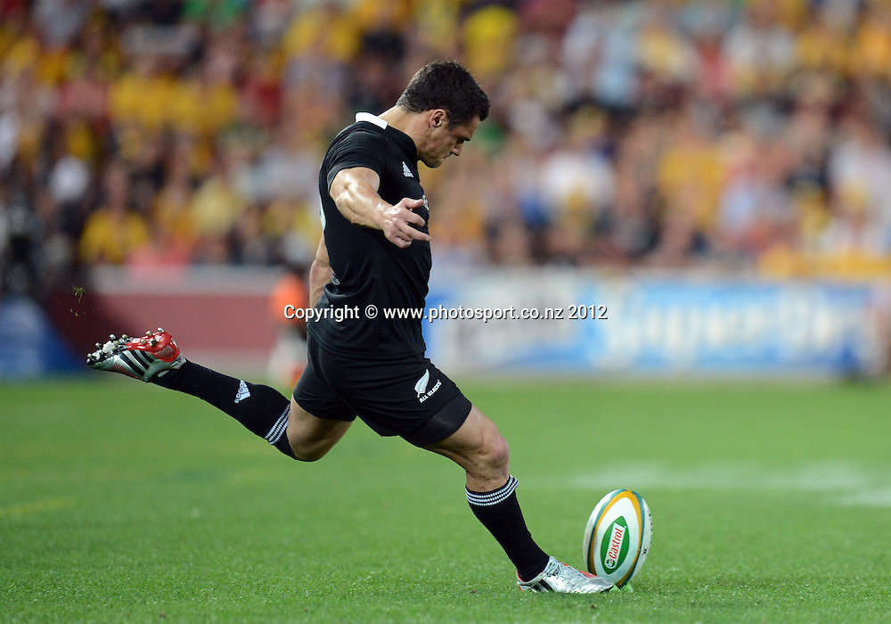 Dan Carter kicks another penalty. The Rugby Championship and Bledisloe Cup test match, Australain Wallabies v New Zealand All Blacks, Suncorp Stadium, Brisbane, Saturday 20 October 2012. Photo Credit: Andrew Cornaga/Photosport.co.nz