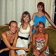 Premiere Stille Nacht, Josefien Hendriks, Caro Lenssen, Victoria Koblenko, Christel Oomen