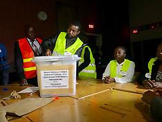 ZIMBABWE - Harare - Counting ballot papers - 31 July 2018