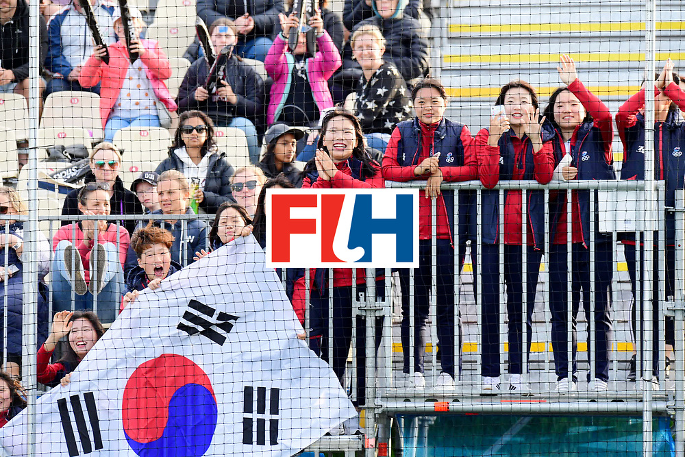 AUCKLAND - Sentinel Hockey World League final women<br /> Match id 10321<br /> Korea v England Bronze<br /> Foto:  Korean fans.<br /> WORLDSPORTPICS COPYRIGHT FRANK UIJLENBROEK