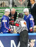 Antoine Roussel / Dave Henderson - 03.05.2015 - France / Suisse - Championnat du Monde de Hockey sur Glace -Prague <br />Photo : Xavier Laine / Icon Sport
