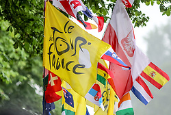 01.07.2017, Duesseldorf, GER, Tour de France, Prolog, im Bild Fahnen verschiedener Länder // Flags of different countries during te Prolog of the 2017 Tour de France in Duesseldorf, Germany on 2017/07/01. EXPA Pictures © 2017, PhotoCredit: EXPA/ Martin Huber