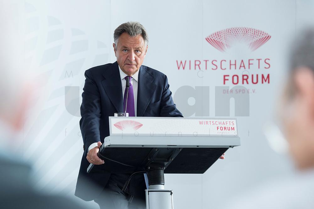 13 JUN 2017, BERLIN/GERMANY:<br /> Michael Frenzel, Praesident des Wirtschaftsforums der SPD, haelt eine Rede, waehrend der Mitgliederversammlung Wirtschaftsforum der SPD, Humboldt-Box<br /> IMAGE: 20170613-01-066