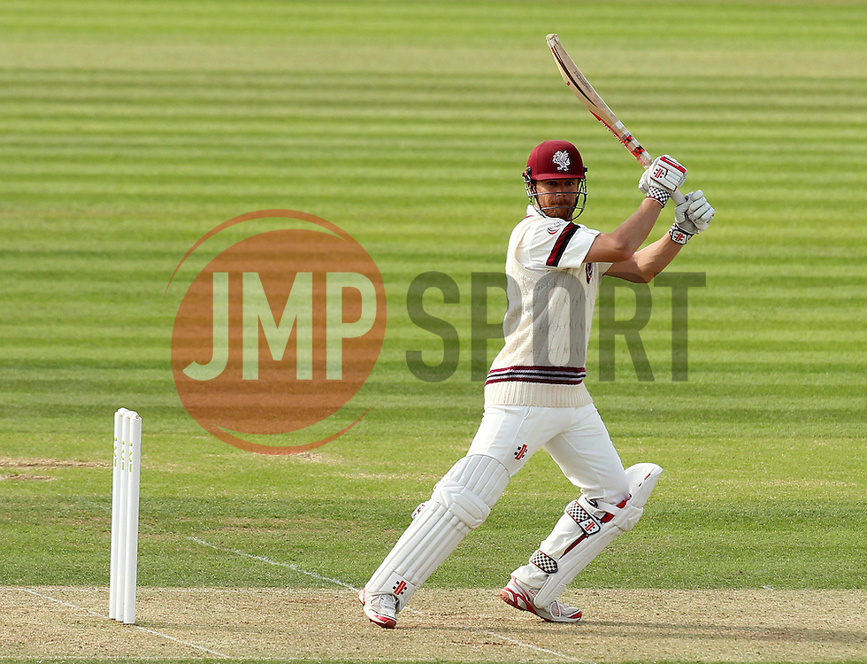 Somerset's James Hildreth watches the ball fly off the bat - Photo mandatory by-line: Robbie Stephenson/JMP - Mobile: 07966 386802 - 21/06/2015 - SPORT - Cricket - Southampton - The Ageas Bowl - Hampshire v Somerset - County Championship Division One
