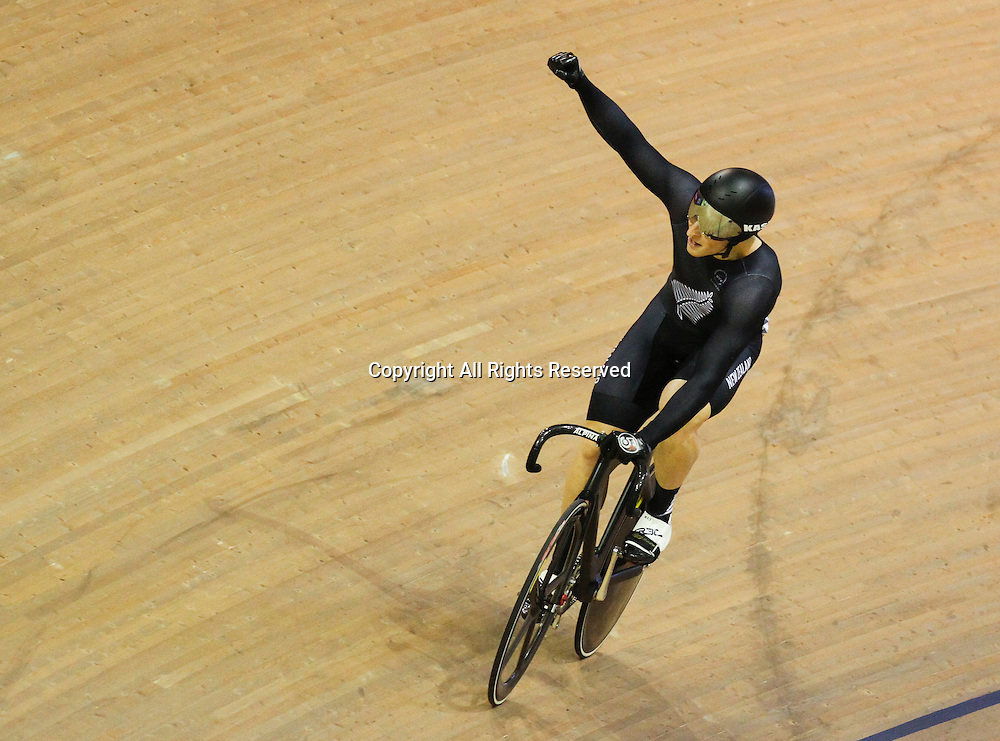 24.07.2014. Glasgow, Scotland. Glasgow Commonwealth Games. Men's Sprint First Round. Edward Dawkins gives fist pump to the crowd after his heat win