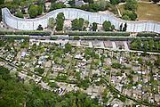 Pantin, département de la Seine-Saint-Denis (93), Les Courtillières, urban agrigulture as a neighboring ammenity to appartments.
