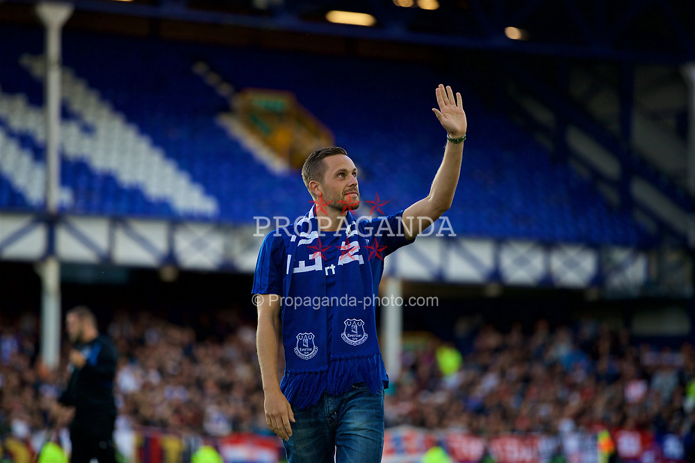 LIVERPOOL, ENGLAND - Thursday, August 17, 2017: Everton's new signing Glyfi Sigurdsson is presented to the supporters before the UEFA Europa League Play-Off 1st Leg match against HNK Hajduk Split at Goodison Park. (Pic by David Rawcliffe/Propaganda)