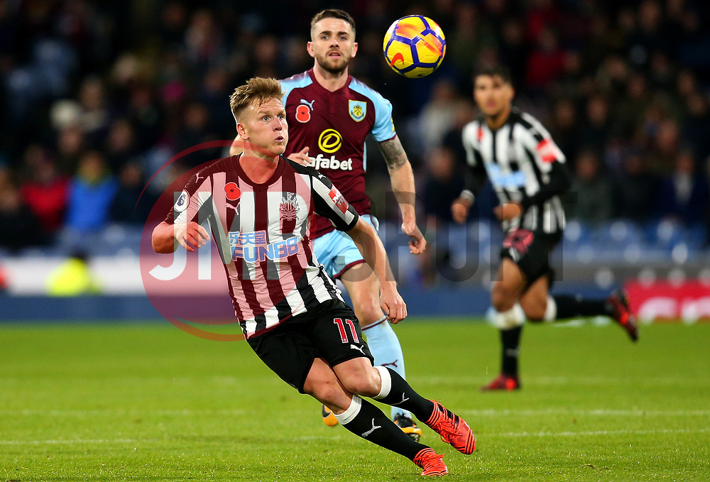 Matt Ritchie of Newcastle United watches the ball - Mandatory by-line: Robbie Stephenson/JMP - 30/10/2017 - FOOTBALL - Turf Moor - Burnley, England - Burnley v Newcastle United - Premier League
