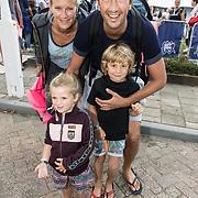 NLD/Amsterdam/20170903 - Amsterdam City Swim 2017, Jan Joost van Gangelen met vrouw en kinderen