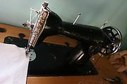 Vitoriano Veloso_MG, Brasil...Detalhe de uma maquina de costura antiga no distrito de Vitoriano Veloso (Bichinho)...Detail of a ancient sewing machine in Vitoriano Veloso (Bichinho)...Foto: LEO DRUMOND / NITRO