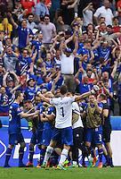 FUSSBALL EURO 2016 GRUPPE C IN PARIS Island - Oesterreich             22.06.2016 Grosse Freude bei Island nach dem 2:1