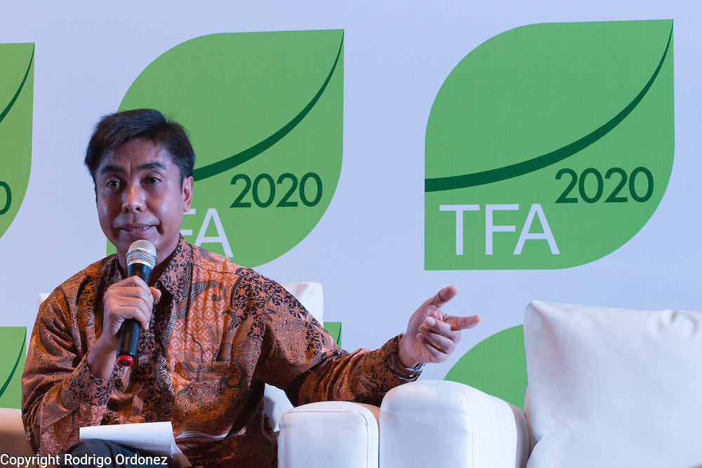 Herry Purnomo, Scientist at the Center for International Forestry Research (CIFOR), speaks during a knowledge exchange session on the topic &quot;Assessing and addressing forest fire propagation in Indonesia: The root causes, impact and solutions&quot;, at the General Assembly of the Tropical Forest Alliance 2020 in Jakarta, Indonesia, on March 11, 2016. <br /> (Photo: Rodrigo Ordonez)