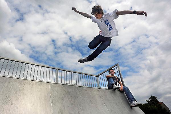 Nederland, Wijchen, 21-6-2009Jonge skater maakt een sprong op de skatebaan.Foto: Flip Franssen/Hollandse Hoogte