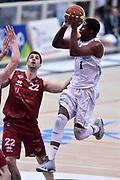 DESCRIZIONE : Campionato 2014/15 Serie A Beko Dolomiti Energia Aquila Trento - Umana Reyer Venezia<br /> GIOCATORE : Tony Mitchell<br /> CATEGORIA : Passaggio Penetrazione<br /> SQUADRA : Dolomiti Energia Aquila Trento<br /> EVENTO : LegaBasket Serie A Beko 2014/2015<br /> GARA : Dolomiti Energia Aquila Trento - Umana Reyer Venezia<br /> DATA : 26/12/2014<br /> SPORT : Pallacanestro <br /> AUTORE : Agenzia Ciamillo-Castoria/GiulioCiamillo<br /> Galleria : LegaBasket Serie A Beko 2014/2015
