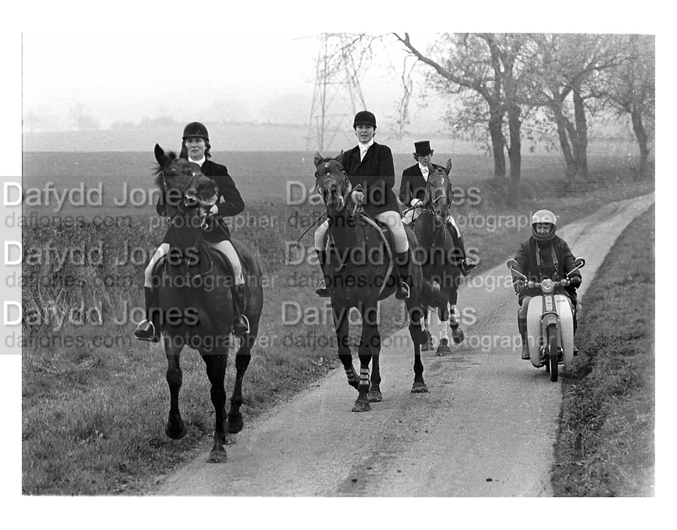 Quorn Hunt.11 November 1983. film 83813f25<br /> © Copyright Photograph by Dafydd Jones<br /> 66 Stockwell Park Rd. London SW9 0DA<br /> Tel 0171 733 0108