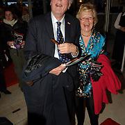 NLD/Amsterdam/20060409 -  Première Black Pinocchio, Ary Haspels en partner Cecile Kenters, koninklijke gynacoloog